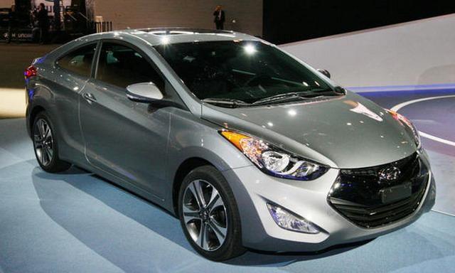 Серебристый Hyundai Elantra 2014