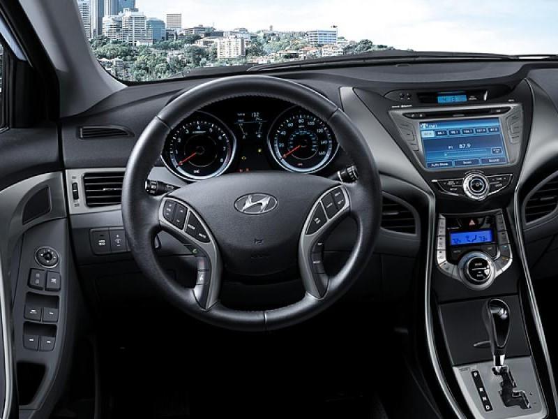Руль, консоль, коробка передач Hyundai Elantra 2014