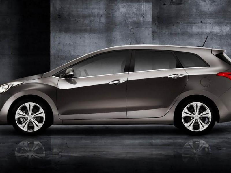 Универсал Hyundai I30 2014 вид сбоку