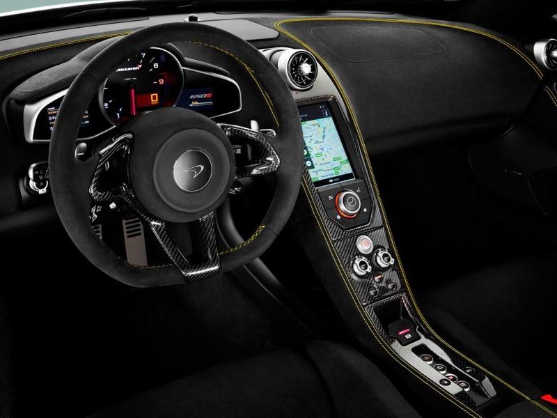 Руль, консоль McLaren 650S Coupe 2014