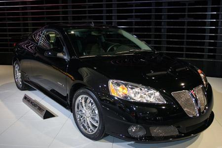 Черный Pontiac G6 вид спереди