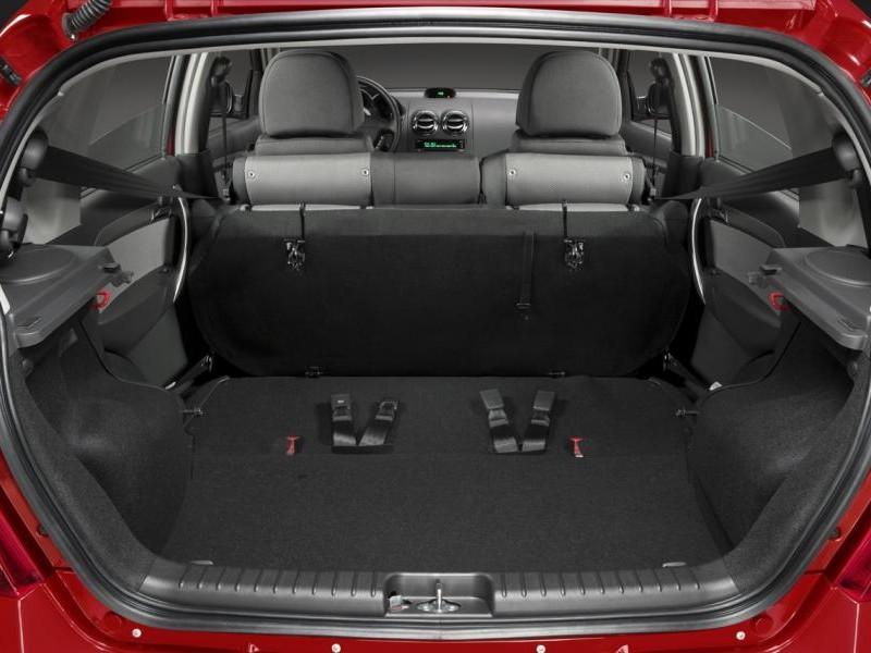 Багажник хэтчбека Pontiac G3