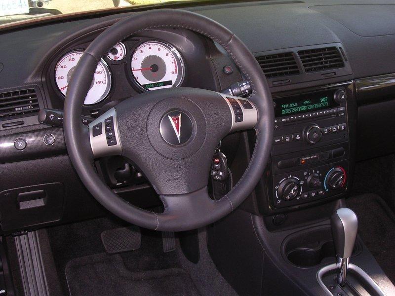 Руль, кпп, консоль Pontiac G5
