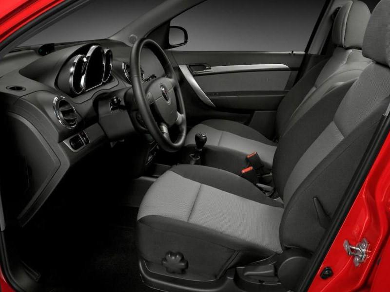 Салон, руль, коробка передач Pontiac G3