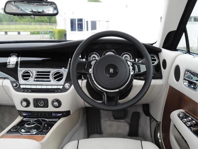 Руль, приборная панель Rolls-Royce Wraith 2014