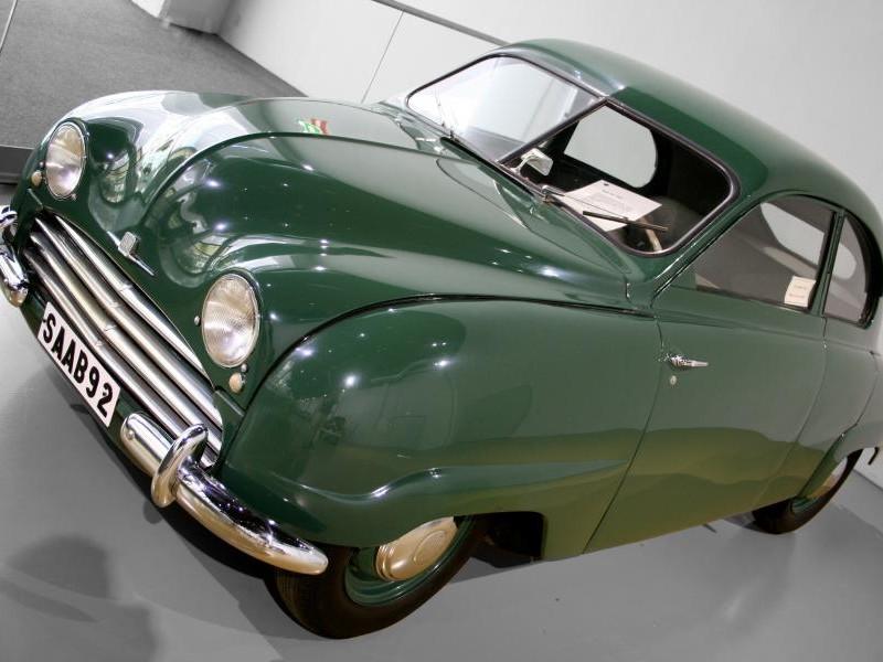 Зеленый Saab 92