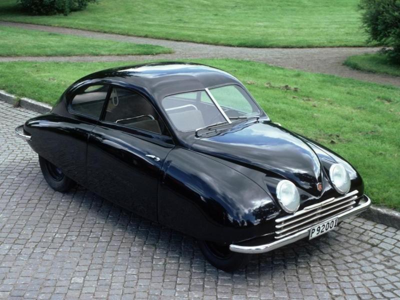 Черный Saab 92