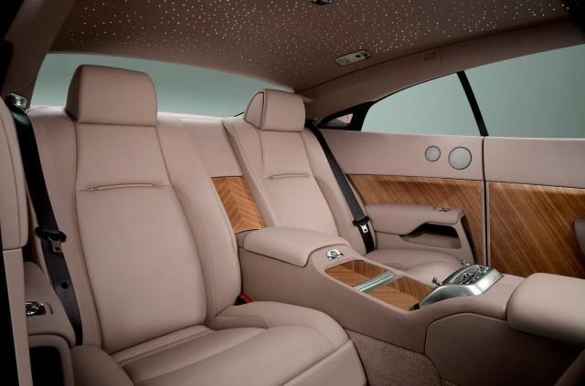Бежевый салон Rolls-Royce Wraith 2014