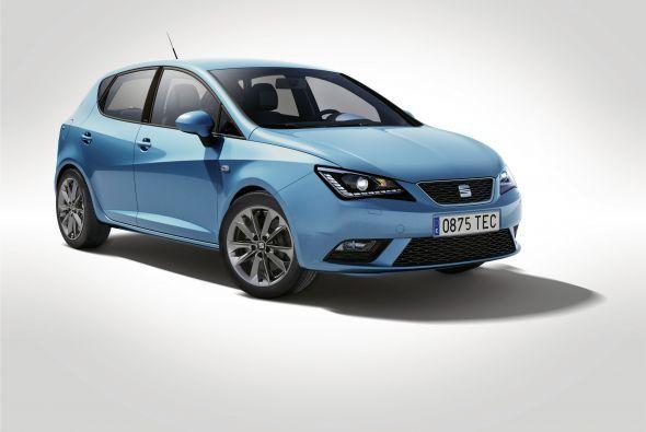 Синий хэтчбек Seat Ibiza I-Tech