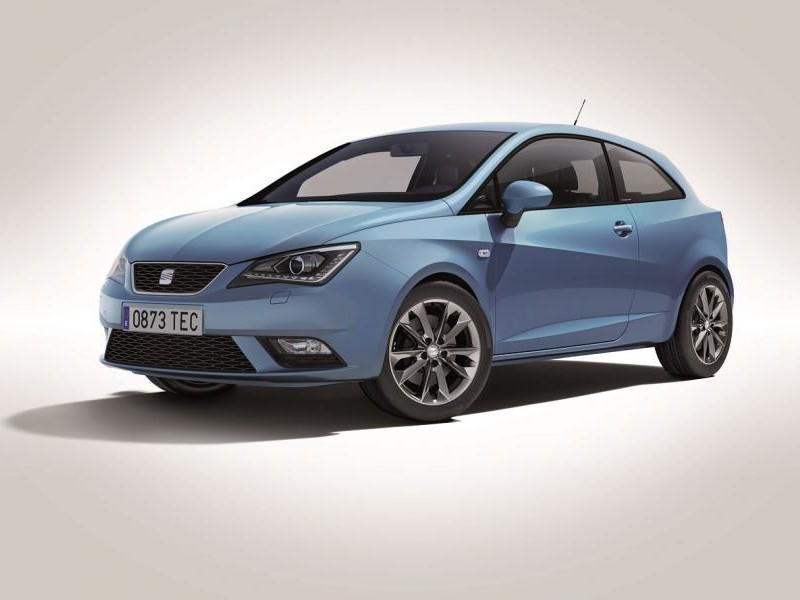 Синий Seat Ibiza I-Tech 2014 хэтчбек