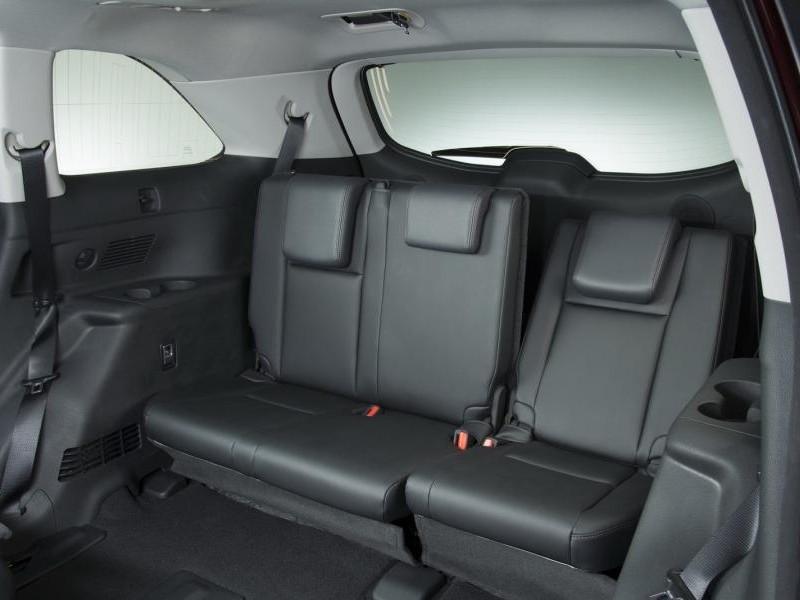 Черный салон Toyota Highlander 2014