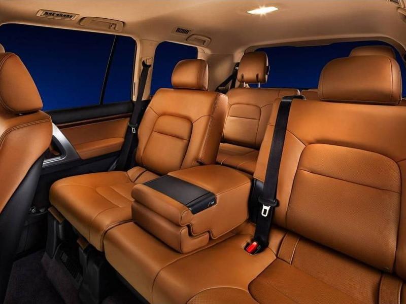 Салон Toyota Land Cruiser 2014