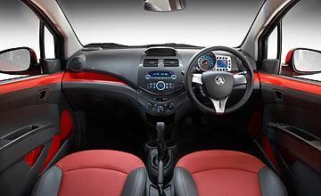 Салон, руль, консоль, коробка передач Holden Barina Spark