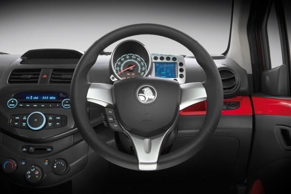 Руль, приборная панель, консоль Holden Barina Spark