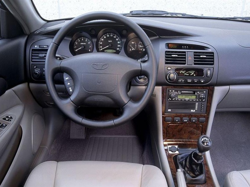 Руль, коробка передач, приборная панель Daewoo Evanda