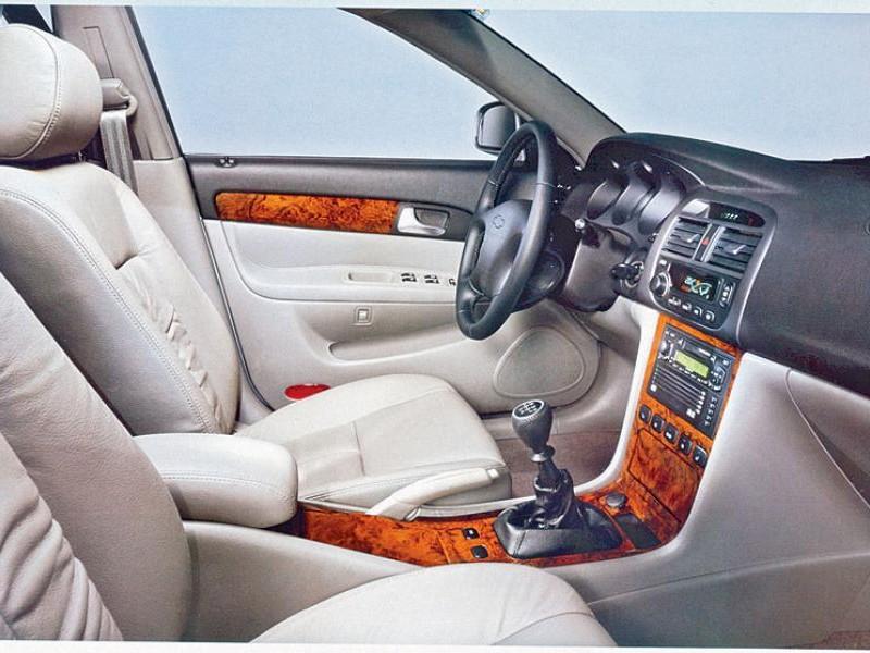 Белый салон, руль, коробка передач Daewoo Evanda