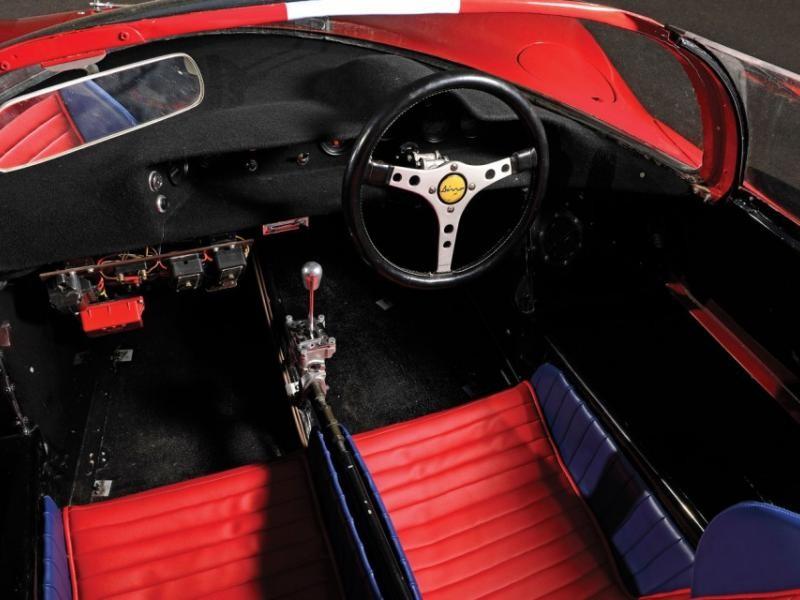 Салон, руль, приборная панель Ferrari 206 S