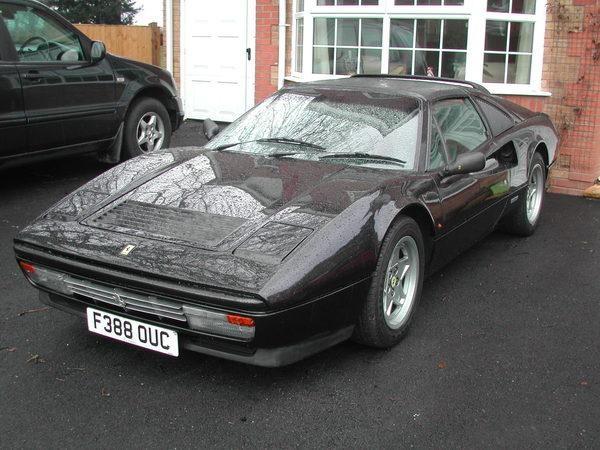 Черный Ferrari 328GTS