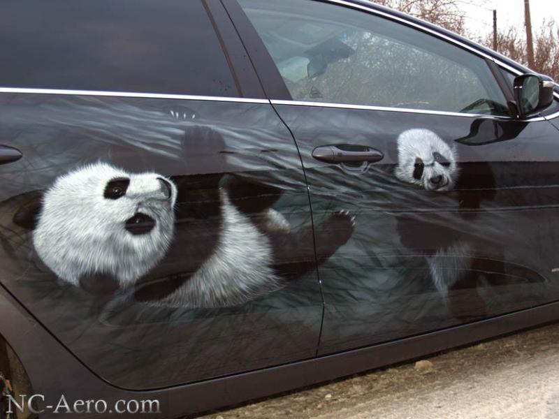Панды на дверях Kia Ceed