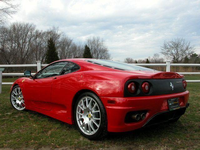 Красный купе Ferrari F360