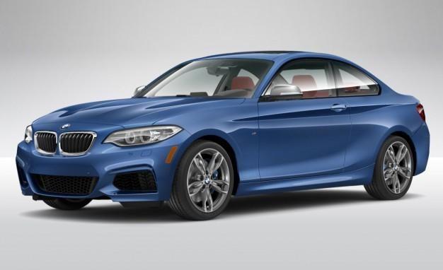 Синий купе BMW 2 Series вид сбоку