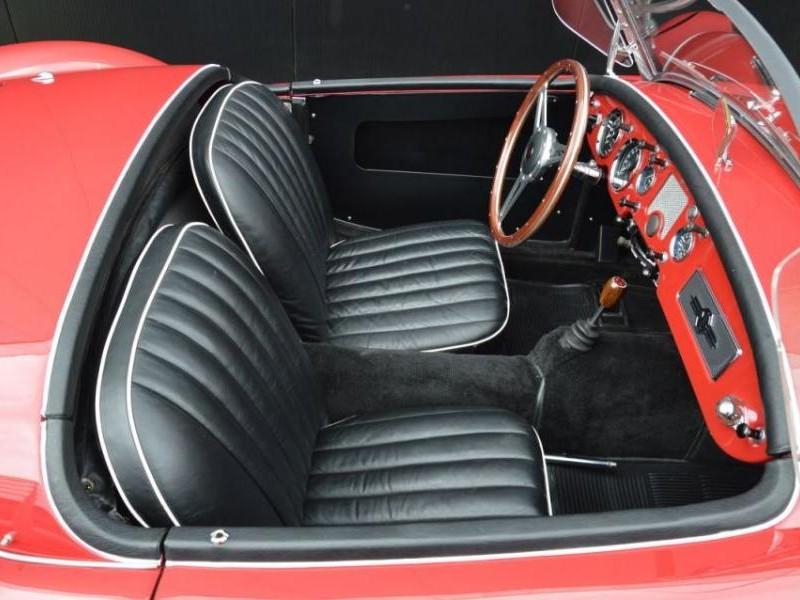 Черный салон MG A1500
