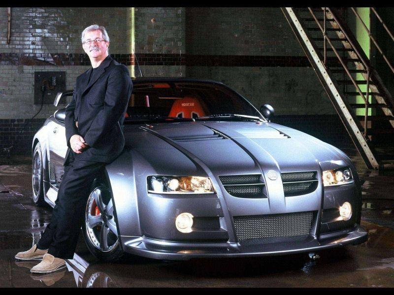 Сереристый купе MG Xpower SV