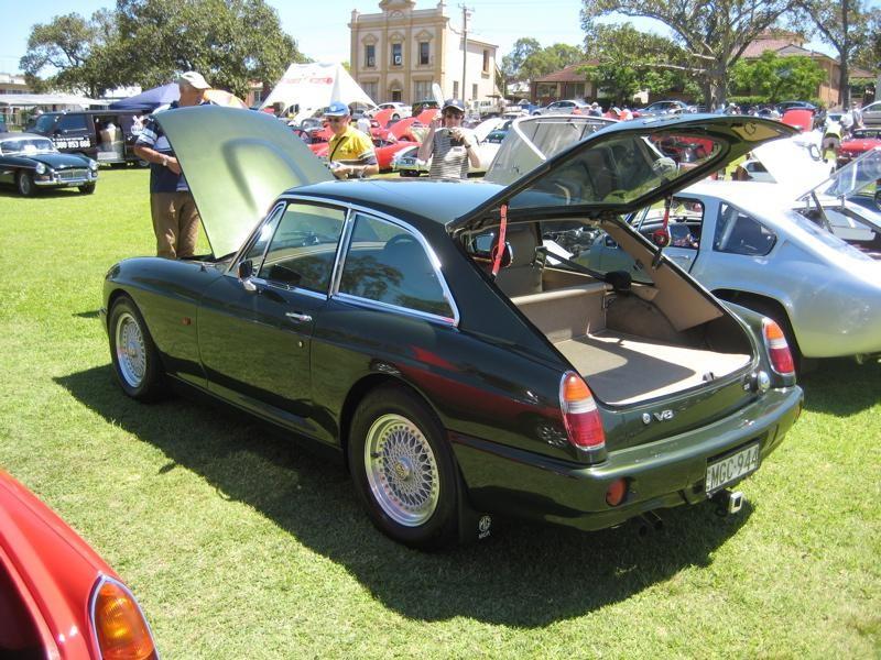 Купе MG RV8