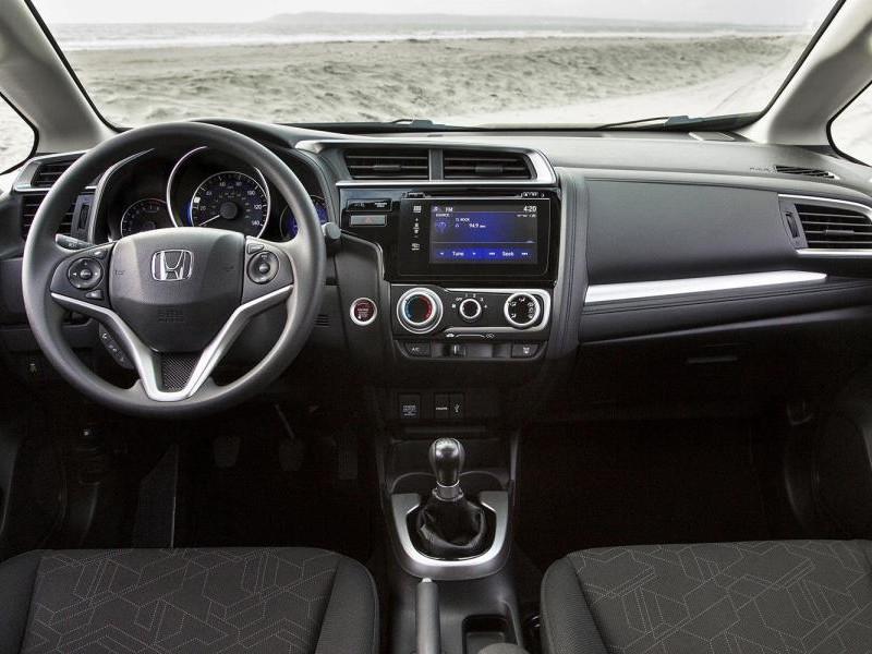 Руль, консоль, коробка передач Honda HR-V