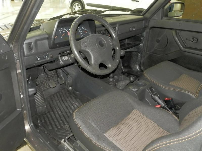 Салон, руль, приборная панель Lada Urban 4x4