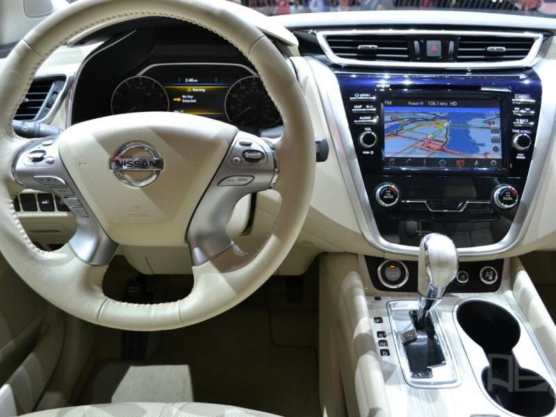 Консоль, руль, коробка передач кроссовера Nissan Murano 2015