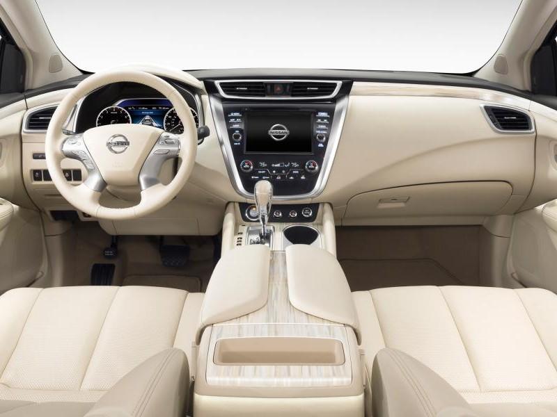 Белый салон Nissan Murano 2015