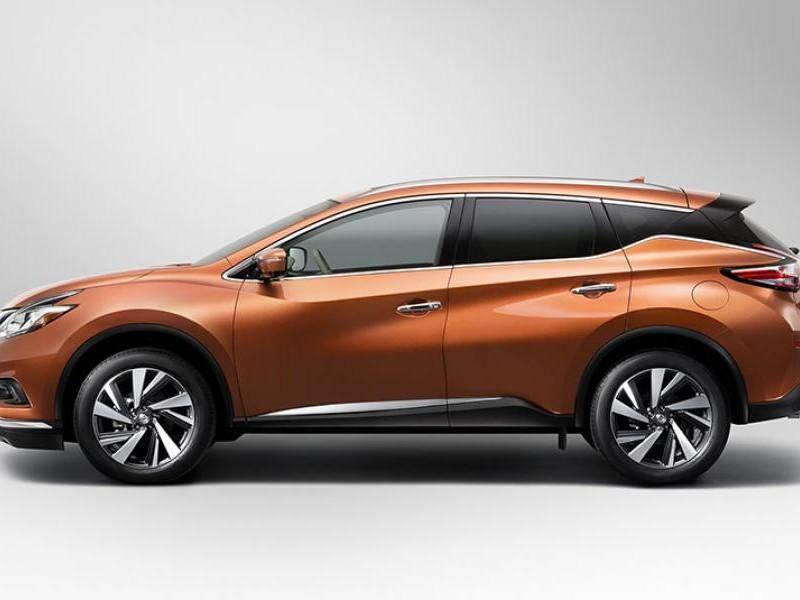 Кроссовер Nissan Murano 2015 вид сбоку