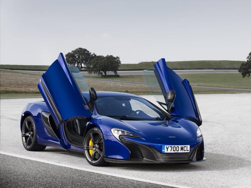 Синий McLaren Sport Series