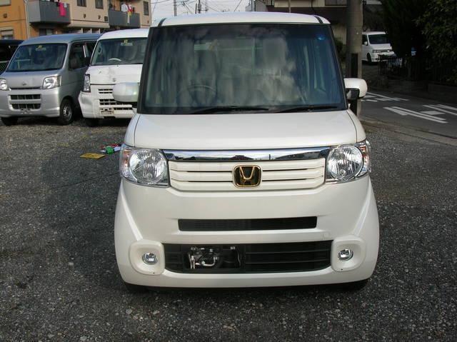 Белый Honda N-Box Splash вид спереди