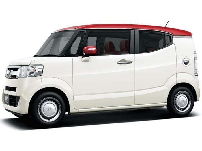 Белый Honda N-Box Splash вид сбоку