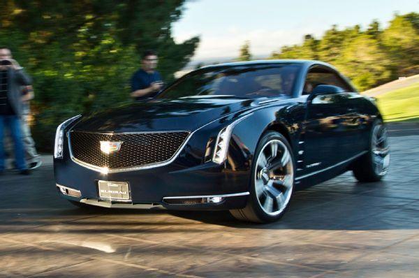 Купе Cadillac CT6 вид спереди