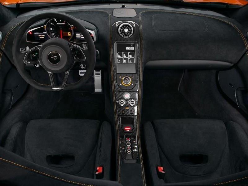 Интерьер McLaren 650S Coupe