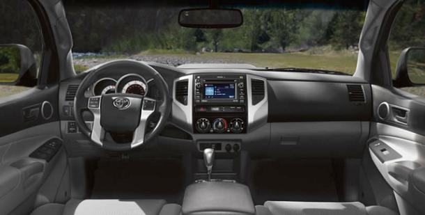 Интерьер Тойота Такома 2015