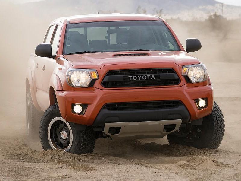 Toyota Tacoma 2015 вид спереди