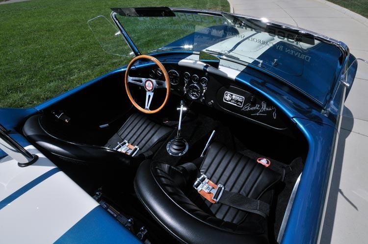 Черный салон Shelby Cobra 427 Super Snake