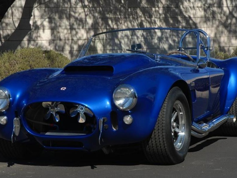 Синий Shelby Cobra 427 Super Snake 1967