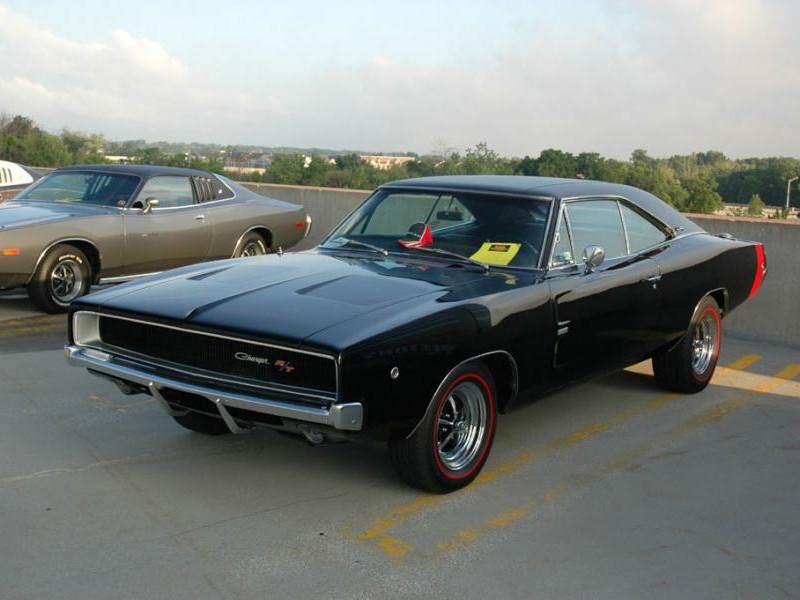 Черный Dodge Charger RT 1968