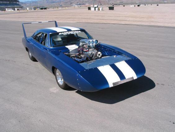Синий купе Dodge Charger Daytona 1969