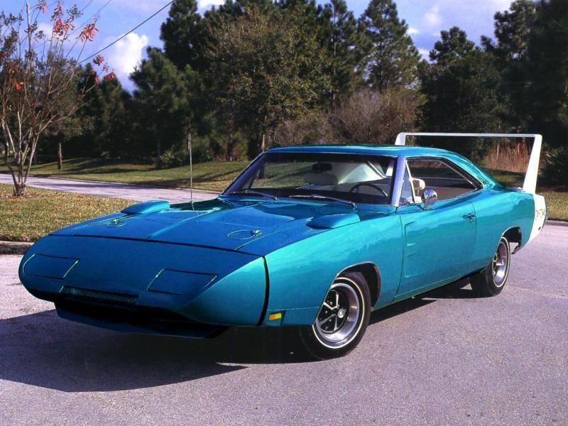 Синий Dodge Charger Daytona 1969