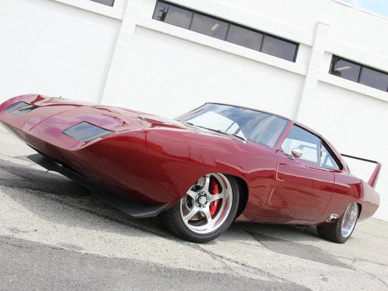 Красный Dodge Charger Daytona 1969