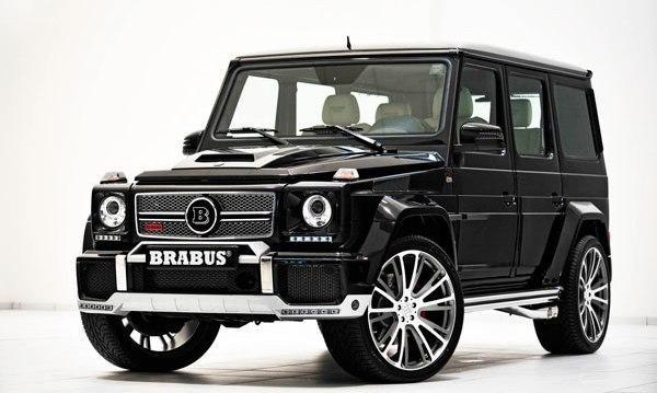 Черный внедорожник Mercedes Brabus G800