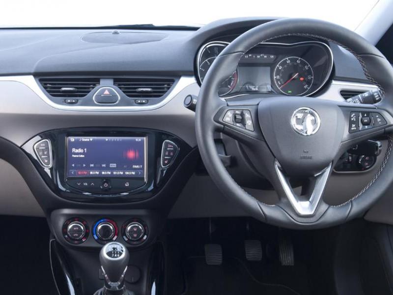Руль, консоль, приборная панель Opel Corsa Van 2015
