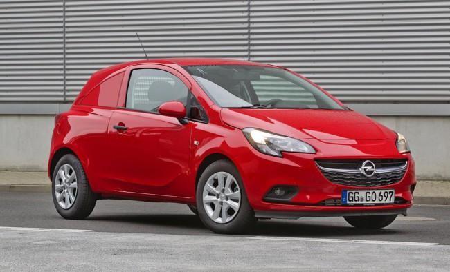 Красный Opel Corsa Van 2015