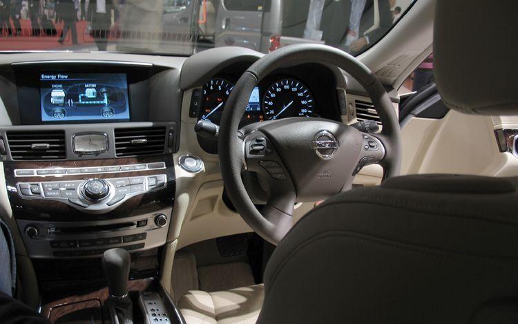 Руль, приборная панель, консоль Nissan Fuga